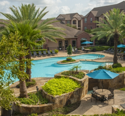 Pool at Camden Oak Crest Apartments in Houston Texas